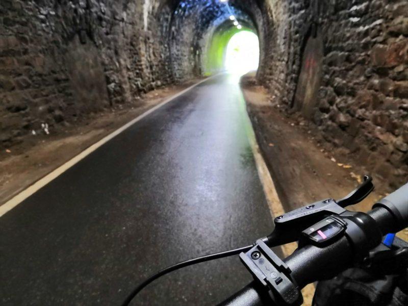 Im Tunnel - Maare-Mosel-Radweg