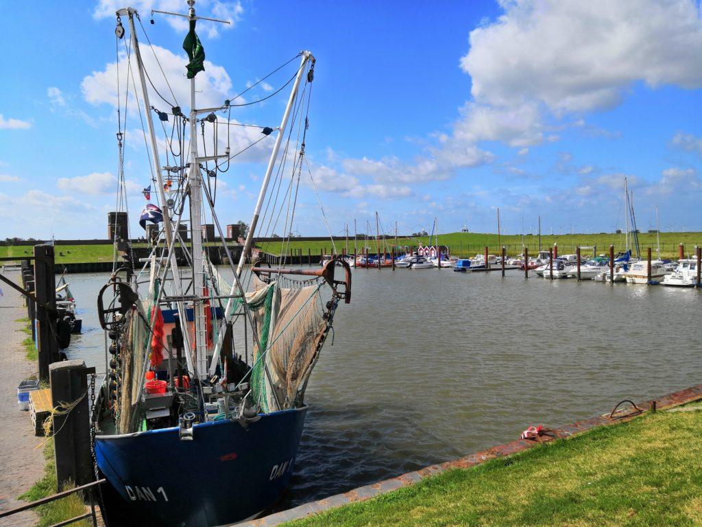 Fischkutter am Hafen Dangast