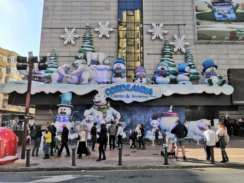 Weihnachtsdeko am Corte Inglés in Alicante
