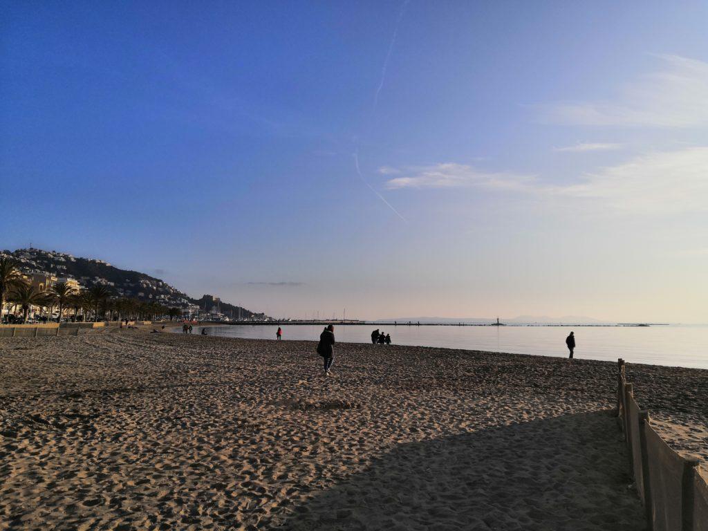 Abschied am Strand von Roses