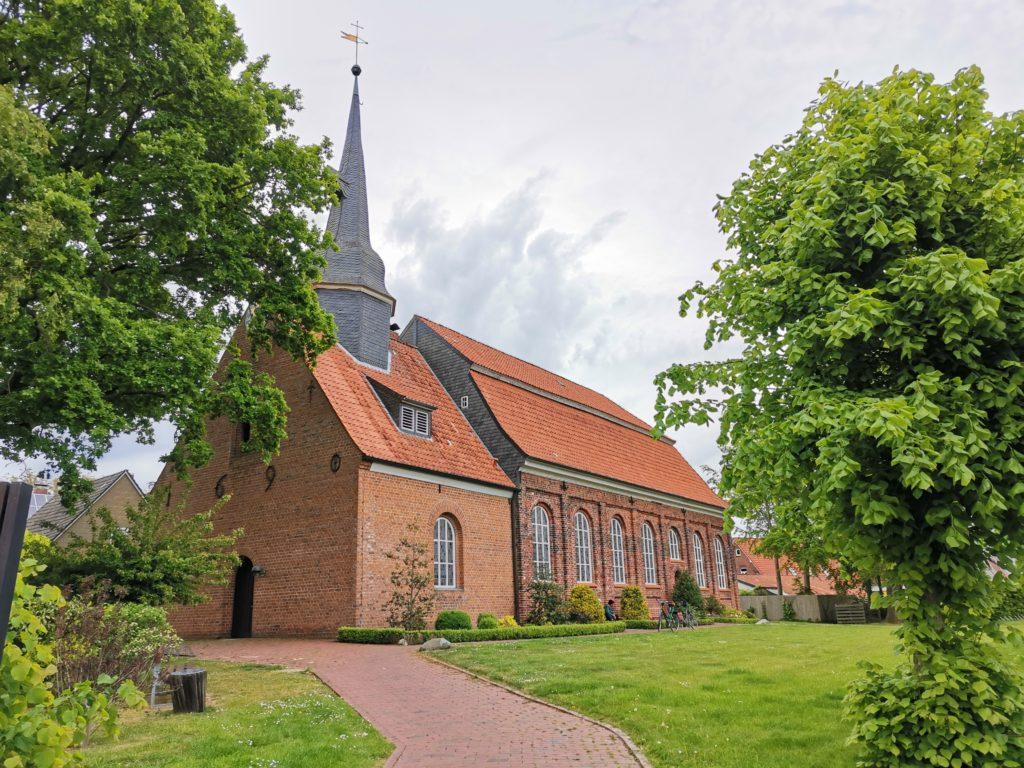 Kirche in Neuhaus / Oste