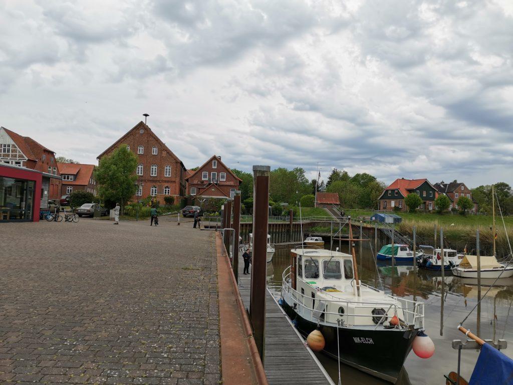 Yachthafen in Neuhaus / Oste